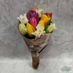 10 szálas színes tulipáncsokor